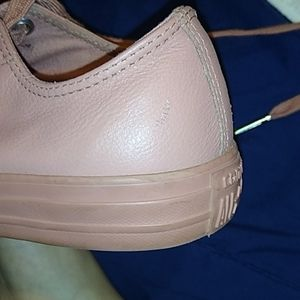 Shoes - Converse low pink leather